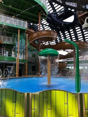 Aqua Park, Deck 16